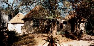 Old_bushveld_Rondawels