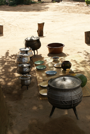Pots-at-a-traditional-African-Shangaan-lunch