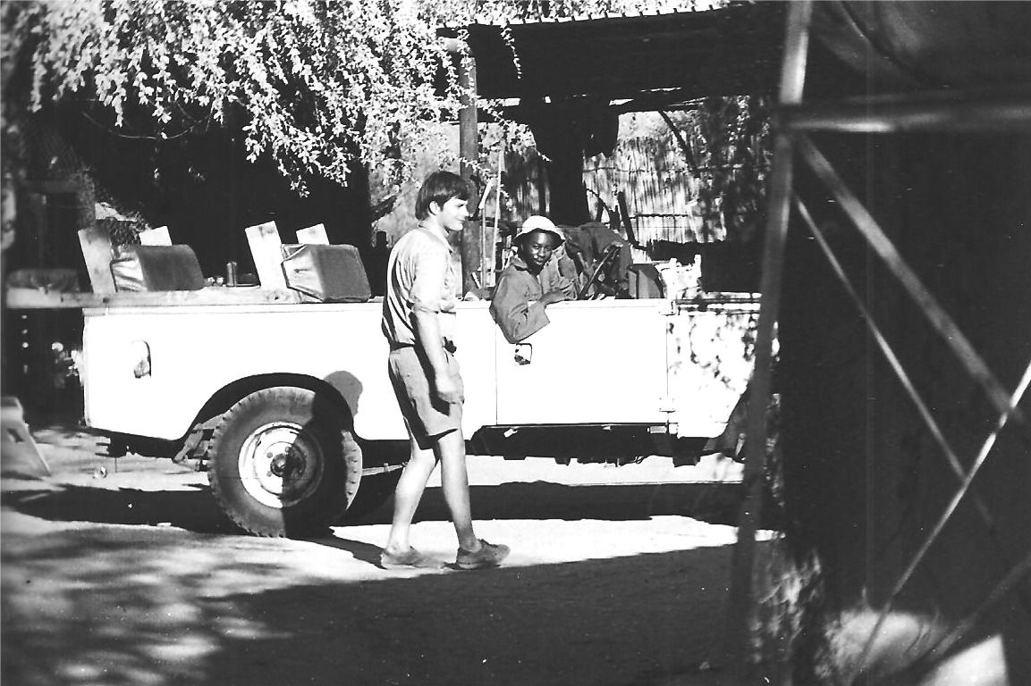Peter Arnot fixing Landrovers at the Londolozi garage