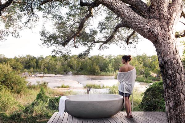 Room 3 Outdoor Bath