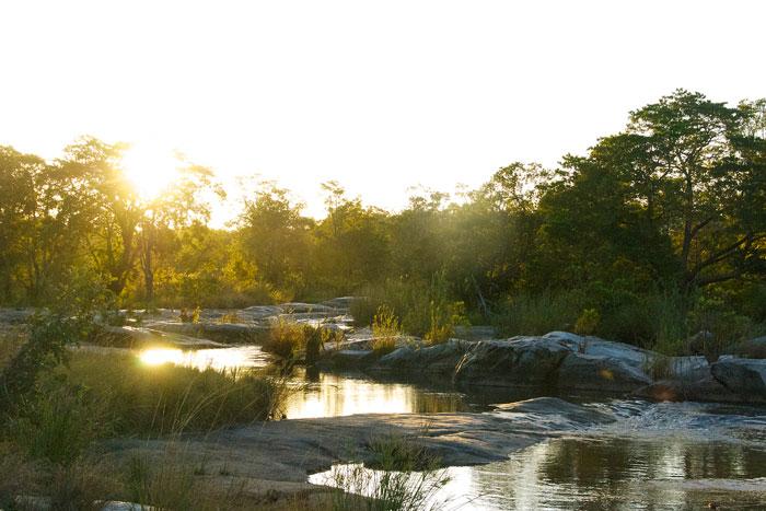 Granite-rocks-at-sunset