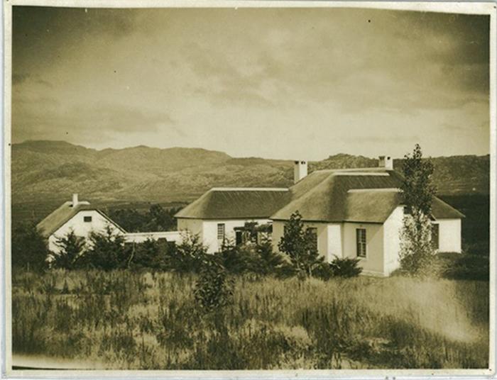 The-original-homestead-on-the-farm-Ridgelands (1)