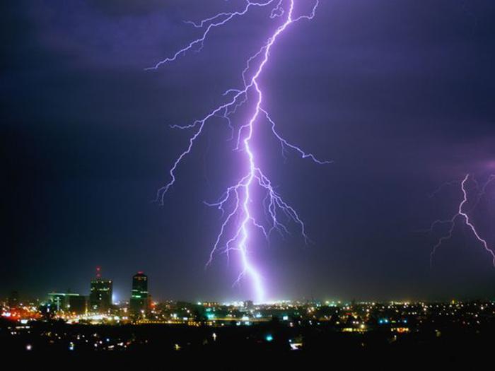 cloud-ground-lightning10_20846_600x450