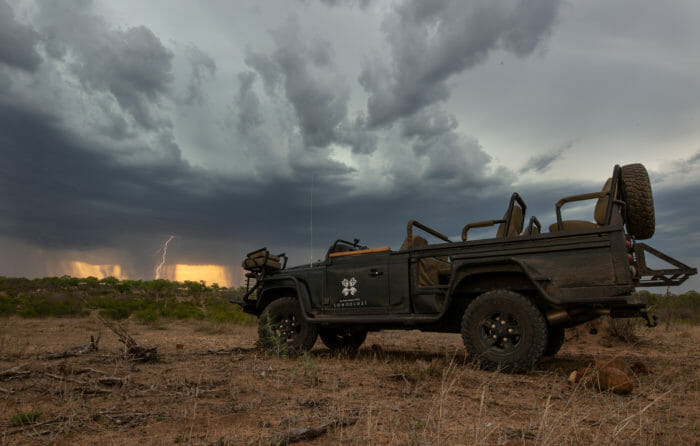 Storm Land Rover Lightning