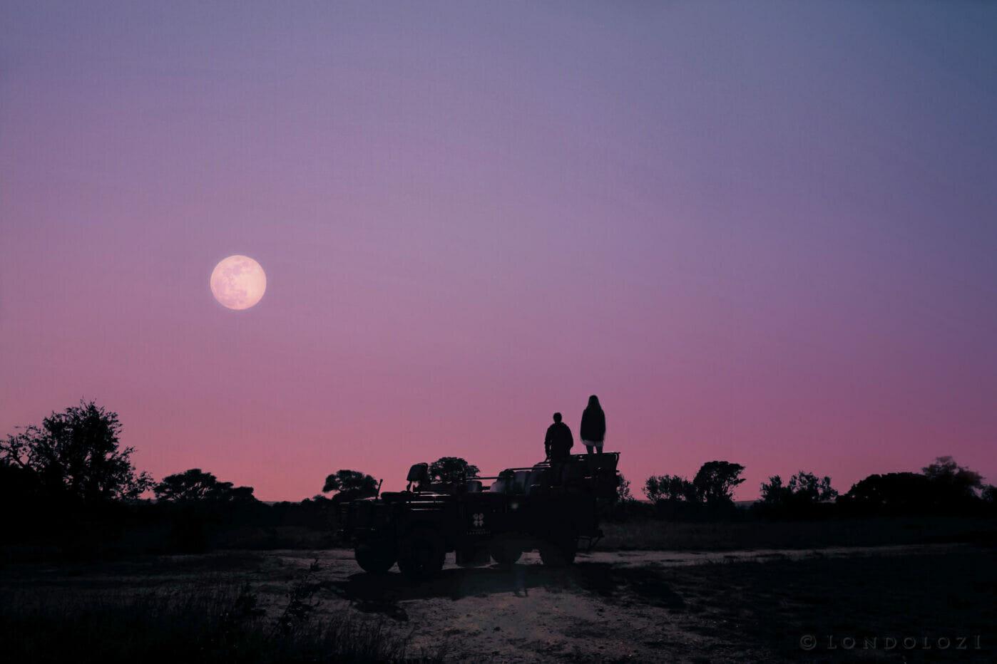 Moonrise Bron Nra